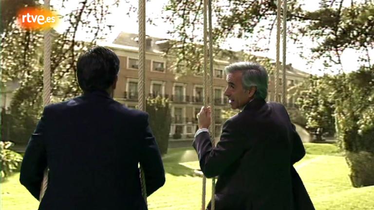 Cuéntame cómo pasó - Antonio, con Suárez en los columpios de La Moncloa (Cap. 231)