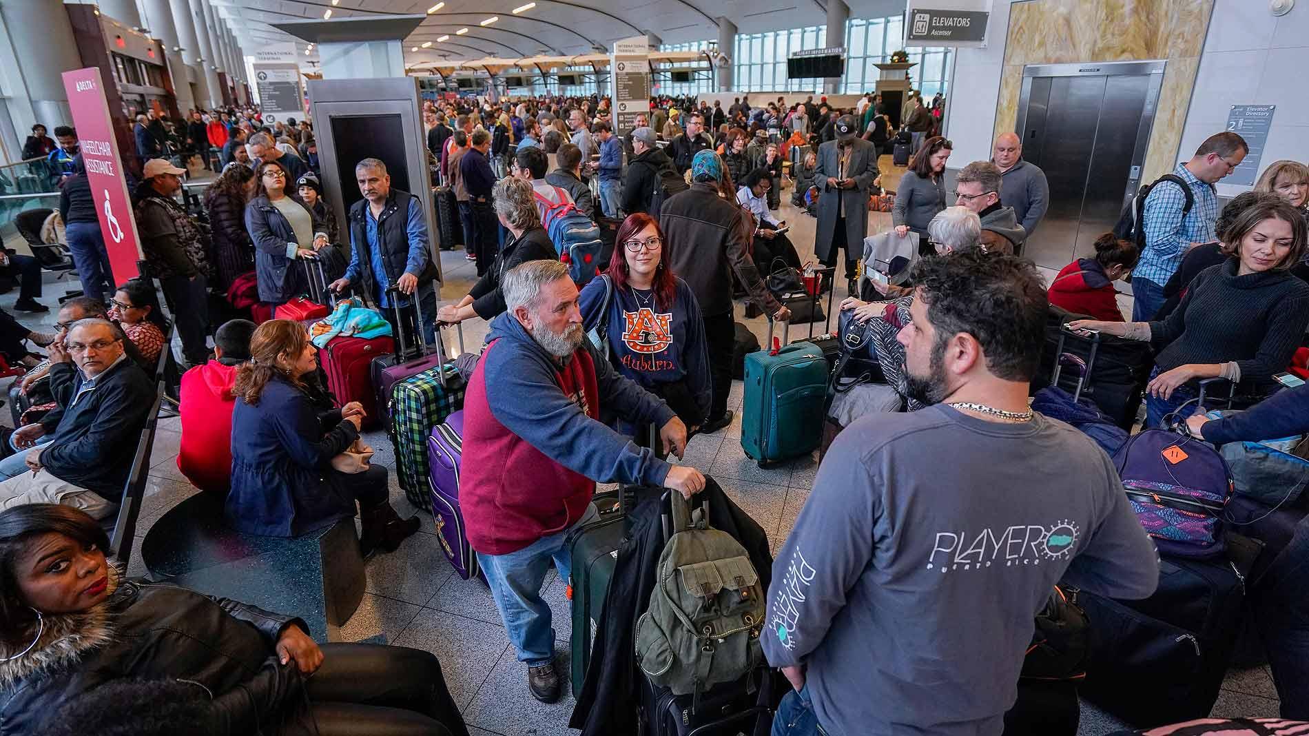 Más de 275.000 pasajeros afectados por un apagón en el aeropuerto de Atlanta