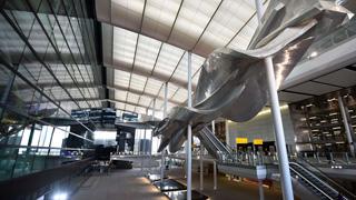 El arquitecto español Luis Vidal presenta la nueva terminal 2 del aeropuerto de Heathrow, en Londres