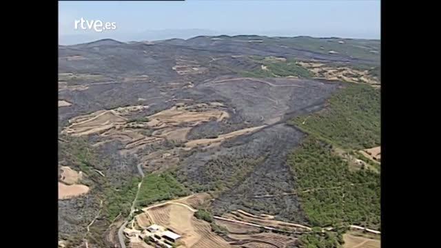 Arxiu TVE Catalunya - Els grans incendis a la Catalunya central el 1998 - Imatges aèries