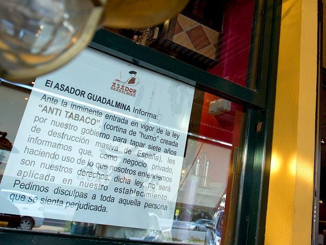 Un asador de Marbella anuncia que no aplicará la Ley Antitabaco