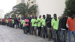 Unos cien inmigrantes subsaharianos entran en Melilla tras un nuevo asalto a la valla
