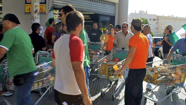 Orden de detención para los asaltantes de los supermercados