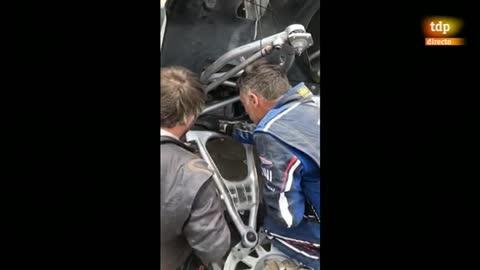 Así es el agujero donde se averió el coche de Sainz