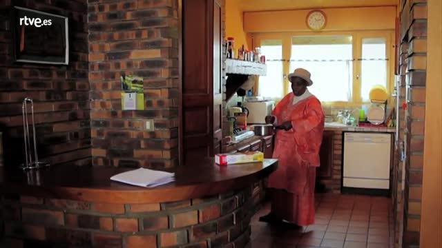 Documaster - Avance - Así empieza el episodio 3 de 'Esposas de dictadores': 'Las cocineras del terror'
