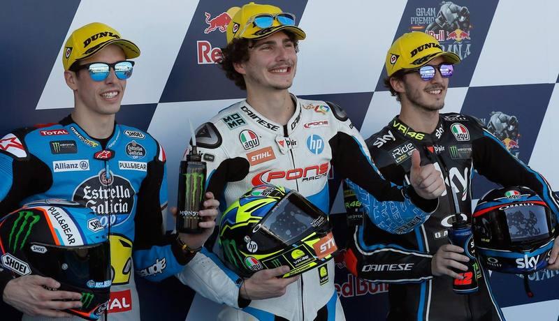 Así quedó el podio de Moto2.