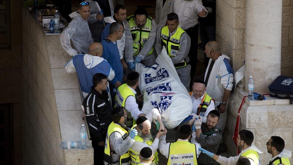 Seis muertos, entre ellos los dos atacantes palestinos, en el ataque a una sinagoga en Jerusalén