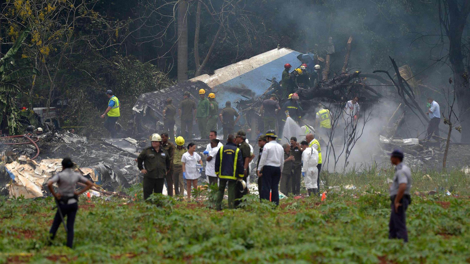 Un avión con 104 pasajeros a bordo se estrella en Cuba cerca del aeropuerto de La Habana