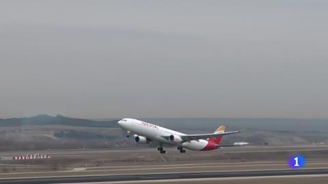Un avión de Iberia con destino Madrid sufre una avería en el motor y aterriza de emergencia