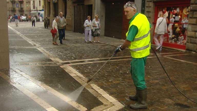Pamplona intenta recuperar la normalidad tras los sanfermines