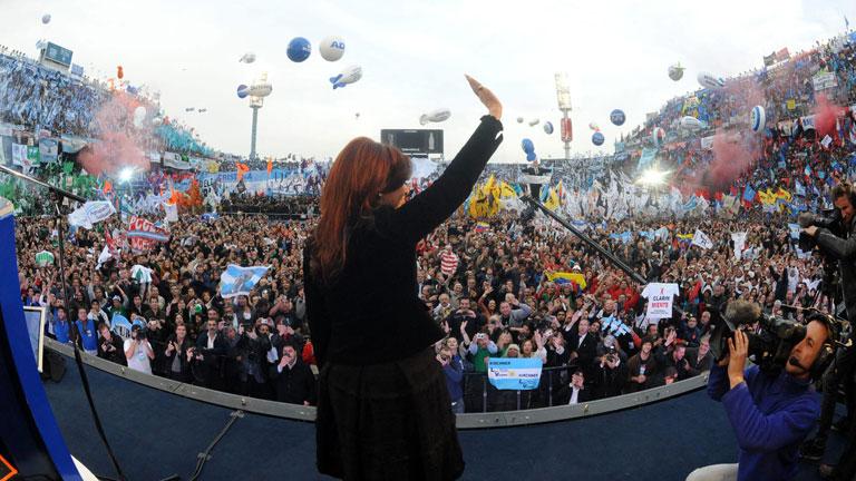 Baño de masas en Argentina para celebrar la expropiación de YPF