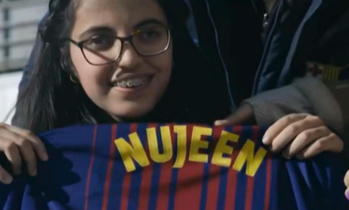 El Barça devuelve la ilusión a Nujeen, una niña refugiada siria