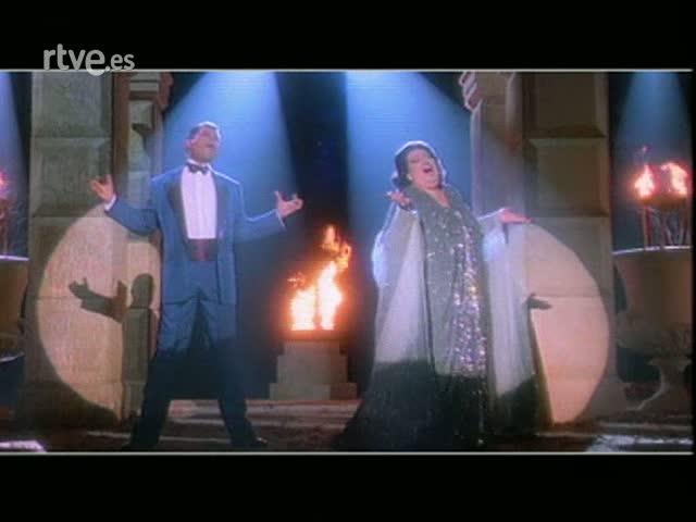 """Arxiu TVE Catalunya - Video clip """"Barcelona"""" amb Montserrat Caballé i Freddie Mercury"""