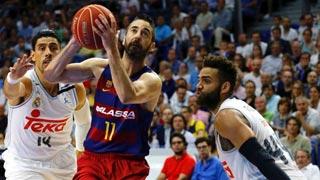 El Barcelona, sin red, busca forzar el quinto partido
