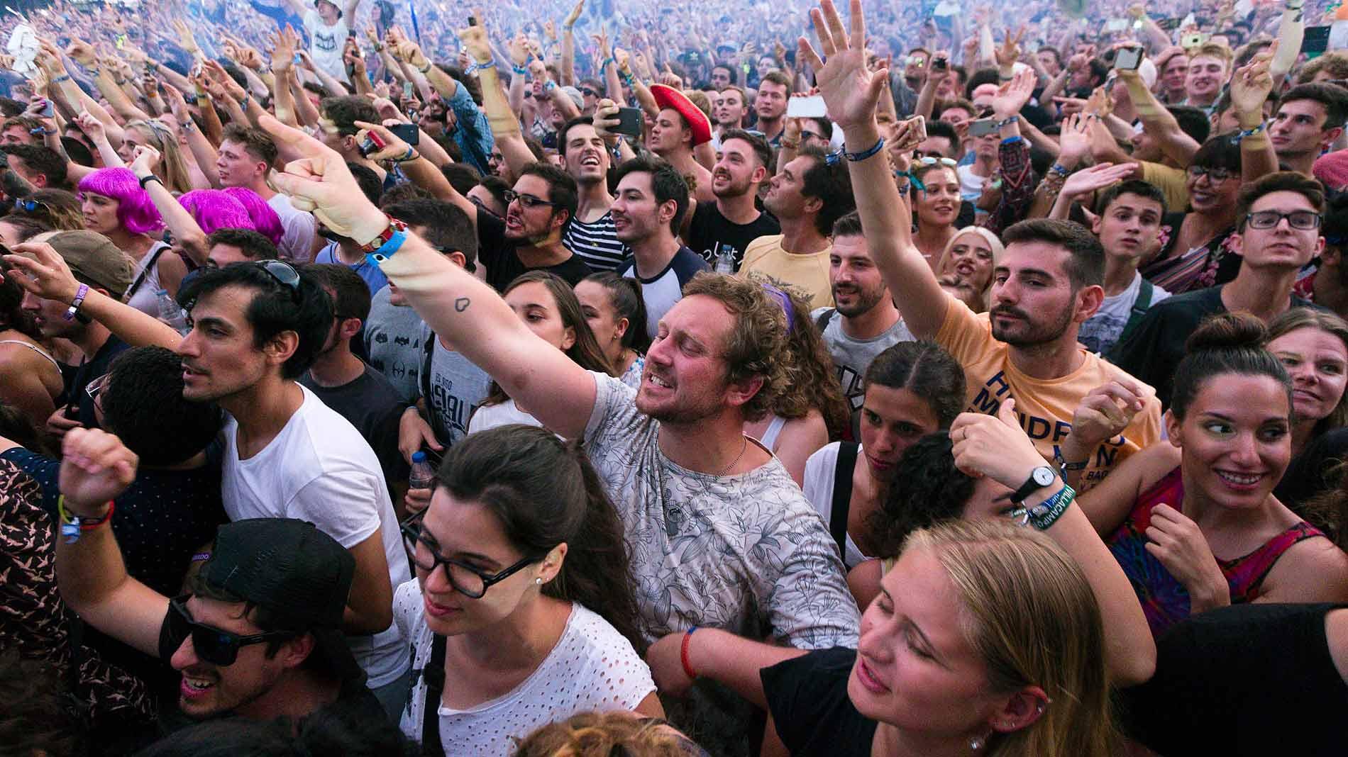Benicássim recibe a miles de personas para disfrutar su Festival Internacional