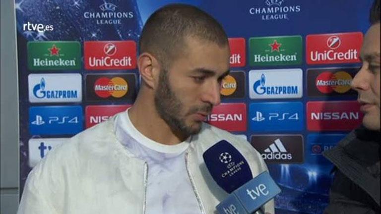 """Benzema: """"Disfrutamos mucho en el campo"""""""