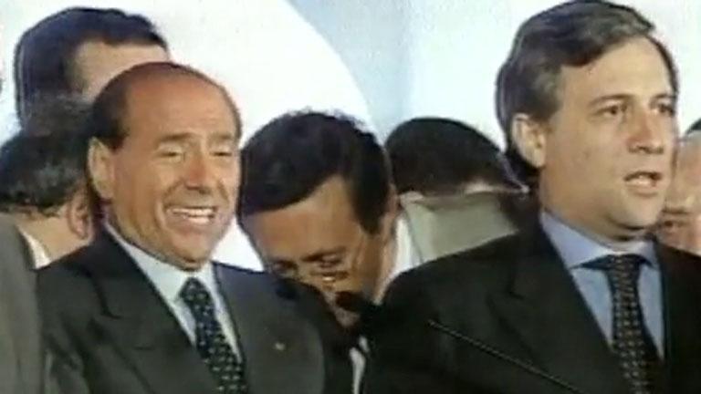 Berlusconi seduce a Italia