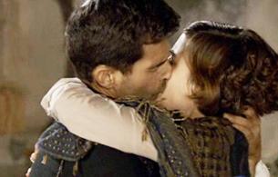 La señora - El apasionado beso de Victoria y Ángel
