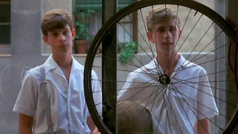 Versión española - Las bicicletas son para el verano