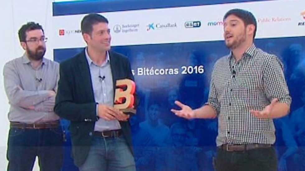 Cámara abierta 2.0 - Premios y Escuela Bitácoras; la campaña de CEAR, Nuestro Mediterráneo; Crónicas de nuestro tiempo (1934 - 2016) y Fernando Cayo en 1minutoCOM