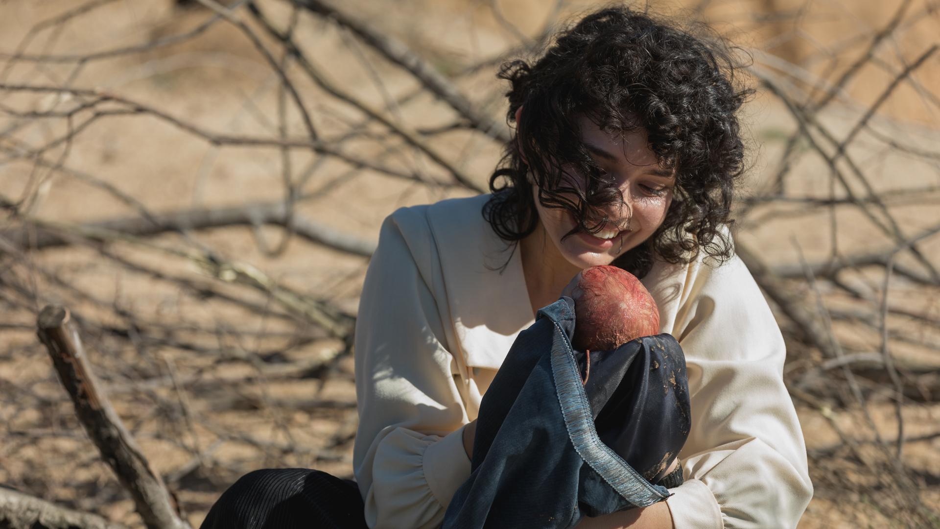 Acacias 38 - Blanca da a luz a un niño