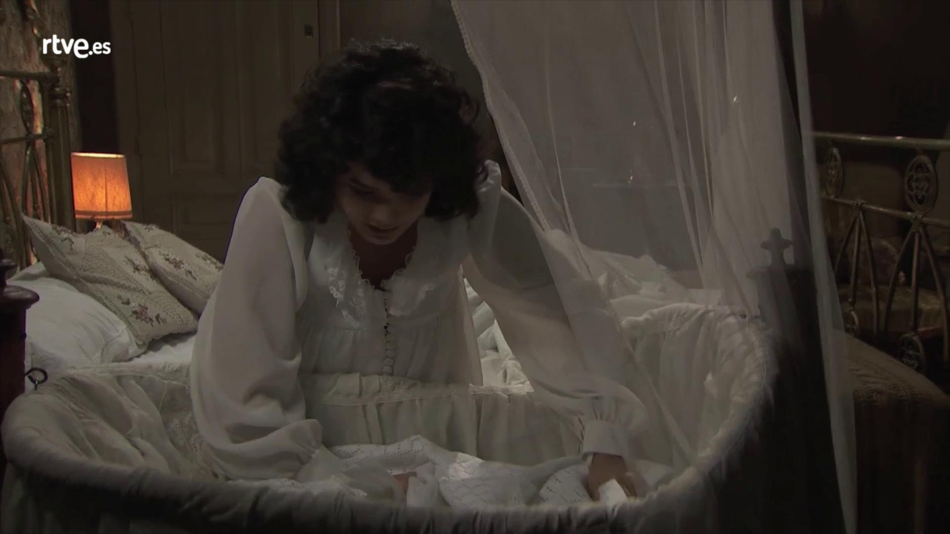 Acacias 38 - Blanca escucha el llanto de un bebé