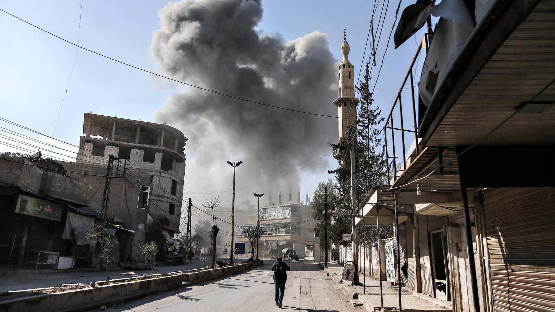 Las bombas siguen cayendo sobre el feudo opositor de Guta Oriental, en Siria