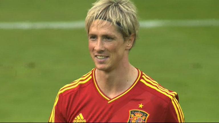 Cabezazo de Torres para abrir el marcador (1-0)