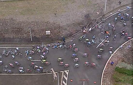 Masiva caída en La Vuelta