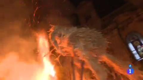 Comando Actualidad - Al calor de la fiesta - Los fachós de Castro Caldelas