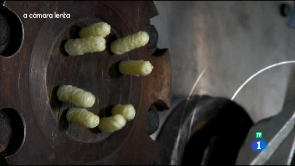Fabricando Made in Spain - A cámara lenta - Gusanitos