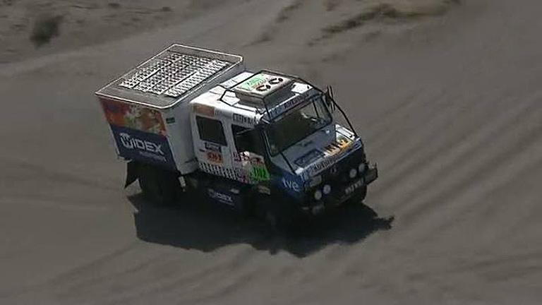 El camión KH-7 Widex TVE afronta las primeras dunas