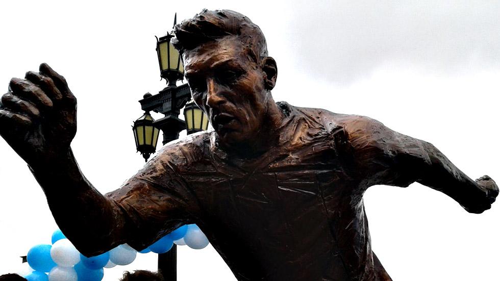Los campeones del Mundial México'86 piden a Messi que siga en la selección