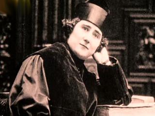 Mujeres de hoy - De Clara Campoamor a la ley de paridad
