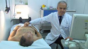 Apartir de los 45 años, se recomienda a los hombres realizarse revisiones de próstata