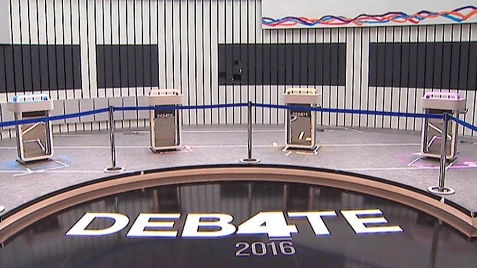Los candidatos coinciden en emplear un tono sosegado para el debate