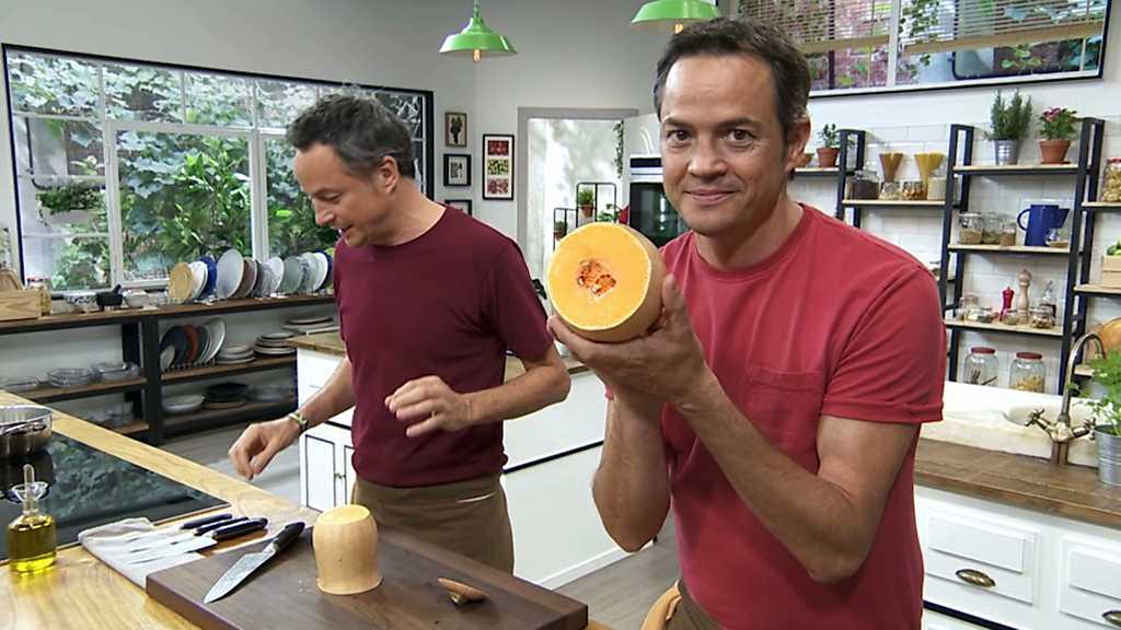 Torres en la cocina - Canelones de calabaza con pollo y flan de café