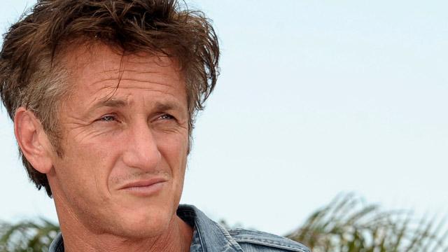 Cannes recibe a un desganado Sean Penn