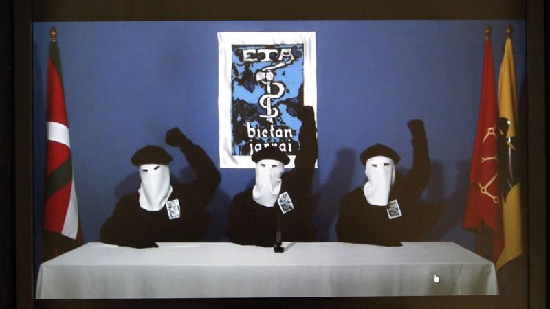 Captura de vídeo del comunicado de ETA de octubre de 2011, cuando anunciaron el