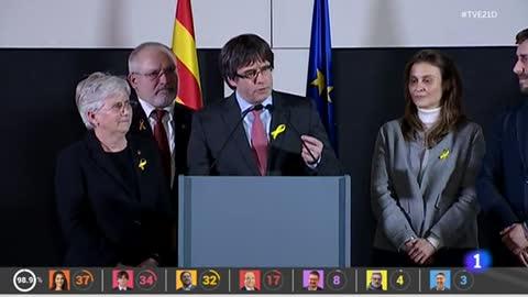 """Carles Puigdemont desde Bruselas: """"La república catalana ha ganado a la monarquía del 155"""""""