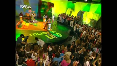 "Cahitos de hierro y cromo - Carlinhos Brown: ""Maria Caipirinha"""