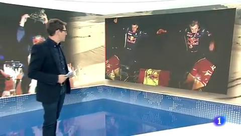 Carlos Sainz y Lucas Cruz desplegaron la bandera de España en el Dakar