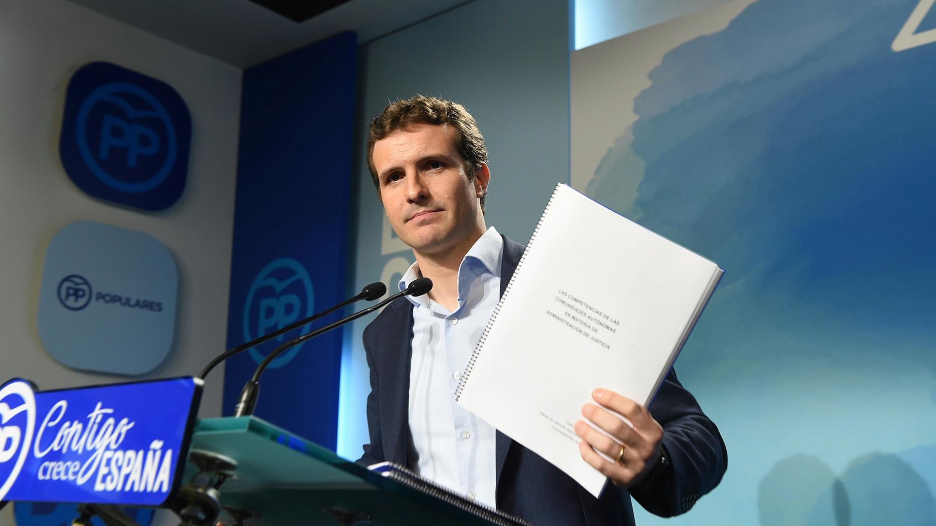 """Casado niega irregularidades en su licenciatura y asegura que se basan en """"difamaciones anónimas"""""""