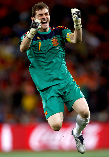 http://www.rtve.es/imagenes/casillas-campeon-del-mundo/1278895450285.jpg