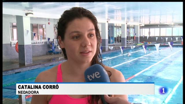 Cati Corró torna a la piscina