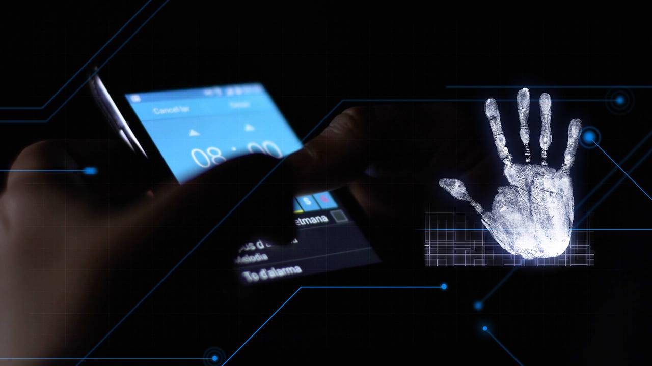 'El cazador de cerebros' desvela por qué los teléfonos actuales considerados inteligentes o smartphones, están en riesgo de desaparecer