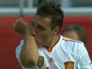 Ver vídeo  'Cazorla inaugura el marcador (0-1)'