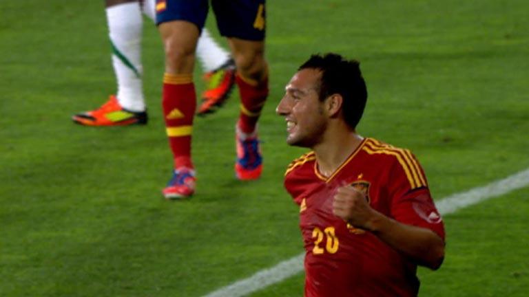 Cazorla inaugura el marcador para España (1-0)