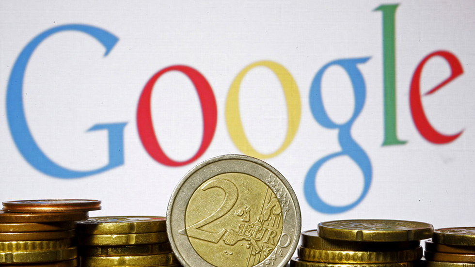 La CE impone una multa récord a Google de 2.420 millones de euros por abuso de posición dominante