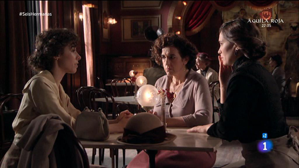 Seis Hermanas - Celia le comunica a Adela que el asesino es Juan Morandeira